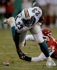 Ronnie Brown Miami Dolphins NFL Licensed Unsigned Glossy 8x10 Photo A
