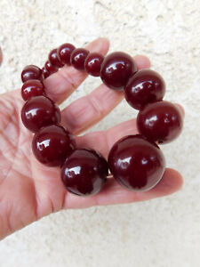Collier ancien ambre Bakelite red cherry amber necklace ? 102 gr