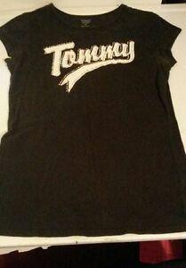 "Vintage Tommy Jeans Women's ""Tommy"" T-Shirt Sz Medium"