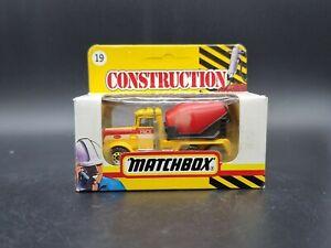 Matchbox Peterbilt Cement Truck MB19 Pace 1:64 Scale Diecast Model Construction