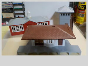O Gauge Lot Of 3 Plasticville Buildings School, Station & Switching Tower