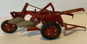 VINTAGE INTERNATIONAL HARVESTER MCCORMICK STEEL DOUBLE BOTTOM PLOW
