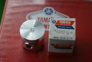 YAMAHA YZ125 YZ125F  1979 PISTON STD 2X3-11631-01-97 NEW OLD STOCK