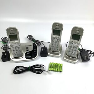 Panasonic KX-TGD220 Digital Cordless Telephone System with 3 Handsets