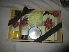 New-WINTER WOODS BATH COLLECTION SET in Wood Gift Box