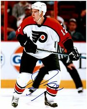 Philadelphia Flyers SIMON GAGNE Signed Autographed 8x10 Pic C