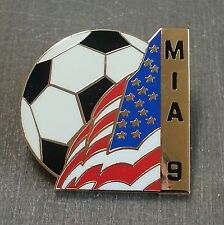 MIA HAMM #9 WOMEN'S WORLD CUP 1999 SOCCER BALL WITH AMERICAN FLAG LAPEL PIN