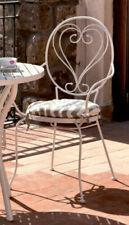 Chaises, balançoires et bancs de jardin et terrasse blancs en fer forgé