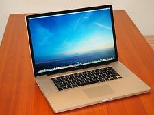 "Apple Macbook Pro 17"" + 8 GB RAM + 1 TB Solid State Hybrid Drive + EXTRAS!!"