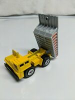Matchbox Dump Truck 1989 Yellow w/ Gray Dump Made in Macau 1:140