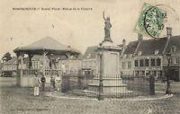 CPA Hondschoote - Grand'Place - Statue de la Victoire (141539)