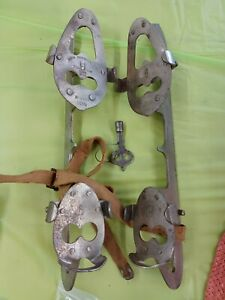 Antique Ice Skates Union Hardware Co with Key clamp on 1920s Sz 10.5