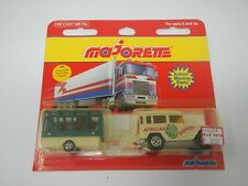 Majorette Toyota with Lion Care Trailer African Safari 328