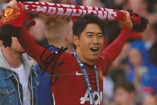 MAN UNITED: SHINJI KAGAWA SIGNED 6x4 PREMIER LEAGUE CELEBRATION PHOTO+COA