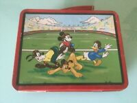 DISNEY MICKEY MOUSE & FRIENDS 1997 SERIES #2 METAL FOOTBALL THEMED LUNCH BOX