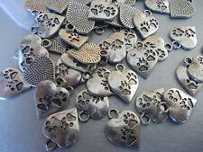 20 X Tibetano Color Plata, Metal Perro Pata Corazón charm/pendants-jewellery haciendo