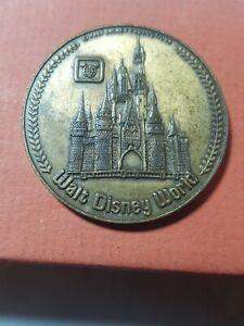Walt Disney Co DISNEYLAND Theme Park Token Coin Main Street Mickey Medallion