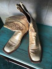 Womens Lucchese boots size 8 1/2 B