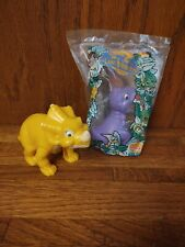 1997 The Land Before Time Burger King Toys - Chomper and Sara