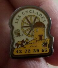 RARE PIN'S LES CYCLADES MOULIN A VENT