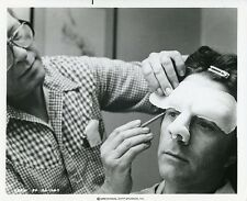BILL BIXBY AND MAKEUP ARTIST THE INCREDIBLE HULK ORIGINAL 1979 CBS TV PHOTO