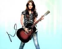 Autographed Miley Cyrus 8 x 10 photo ~~Hanna Montana Rare signed in person w/COA