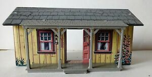 Marx cabin for Rifleman or Gunsmoke Playsets, Used Missing Chimney