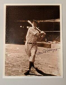 JOE DIMAGGIO New York Yankees Signed 8x10 Photo Autograph Score Board COA Goldin