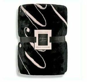 Light Pink /& Black VS Wording Sherpa Blanket 50 x 60. NWT Victoria's Secret