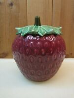 VINTAGE MCCOY POTTERY LARGE RED STRAWBERRY WITH GREEN STEM LID COOKIE JAR B3129