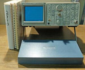 Tektronix 2710 Spectrum Analyzer + 3 Manuals (Service, Operators, Programmers)
