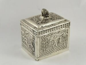 LOVELY ANTIQUE INDIAN SOLID SILVER TEA CADDY BOX 186 g
