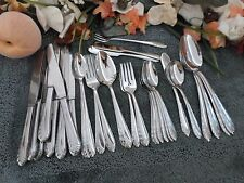 Oneida Craft 18/8 USA Deluxe Stainless HEART OF SWEDEN 44pcs Nice Odd Lot