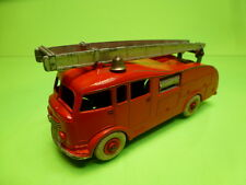 DINKY TOYS 555 TRUCK FIRE ENGINE - RED - GOOD CONDITION