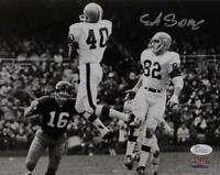 Erich Barnes Autographed 8x10 Cleveland Browns B&W Photo Jumping In Air JSA