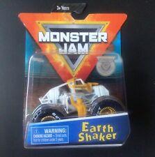 2019 SPIN MASTER Monster Jam EARTH SHAKER Training Truck CHASE Monster Truck