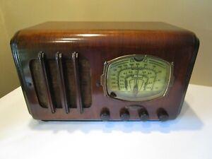 ANTIQUE MANTOLA SHORTWAVE WOOD CABINET TUBE RADIO ~ Not tested but Beautiful