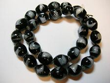 """Lampworked Combed Glass Oval Beads - Black & White- 16"""" strand 14x11mm"""