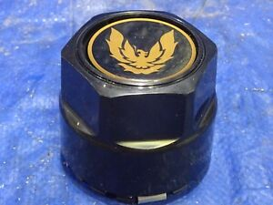 82 - 92 PONTIAC FIREBIRD TRANS-AM Wheel Center Hub Cap Black w/ Gold  Bird nc