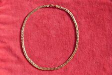 Joli collier en plaqué or de très bonne qualité French jewel Necklace.