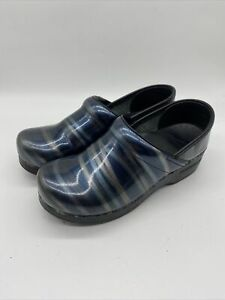 Dansko 37 Closed Clog Womens 6.5 - 7 Marble Patent Leather Green Blue Comfort