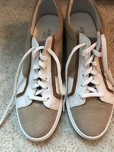 Amalfi by Rangoni Womens Sneaker Size 9 Lace Up White Tan Sneakers Shoes