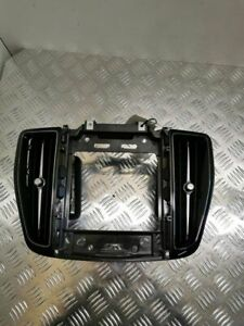 Volvo XC60 2019 Dash center air vent grill 31417738