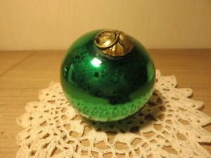 Ancienne boule de Noël verte en verre Meisenthal