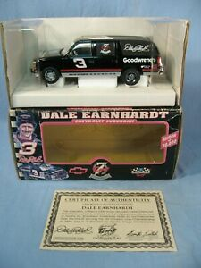 NASCAR 1/25 Dale Earnhardt #3 7 Time Champion 1995 Chevy Suburban Brookfield