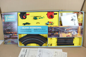 TRIANG HORNBY M1527 MINIC MOTORWAY HELIPORT INTERNATIONAL SET BOXED ny
