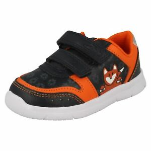 Boys Clarks Light Weight Hook & Loop Leather & Synthetic Shoes Ath Dot T