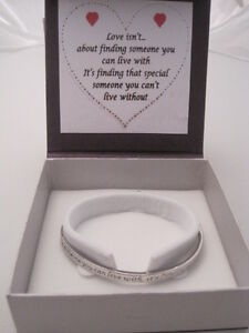 COURAGE LOVE FRIENDS LOVE IS INSPIRATIONAL MESSAGE BANGLE BRACELET BOXED GIFT