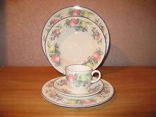ROYAL DOULTON *NEW* SEVILIA Set 3 assiettes + 1 tasse Set 3 plates+cup  SEVILLIA