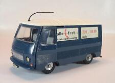 Dinky Toys France 570 Peugeot J7 Fourgon allo fret Taxi Camionnette #5261
